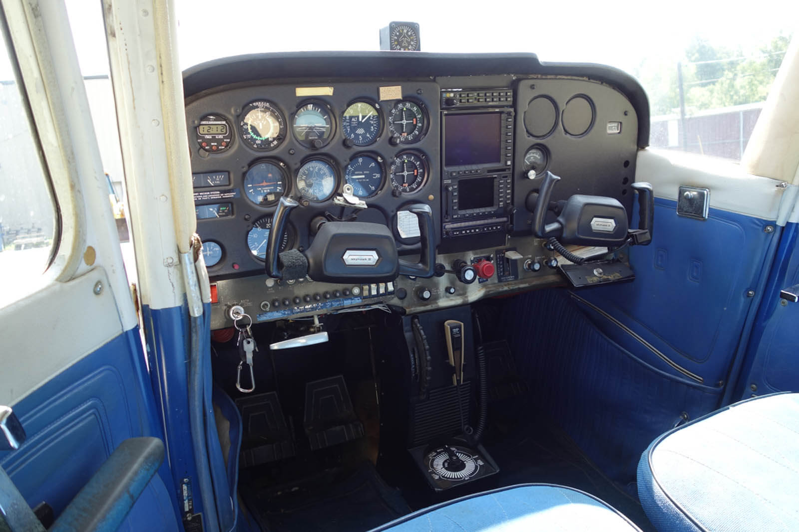 Cessna 172 739NT ~ FOR SALE at Princeton Airport ~ Contact Ken Nierenberg at 609-731-4628 for details